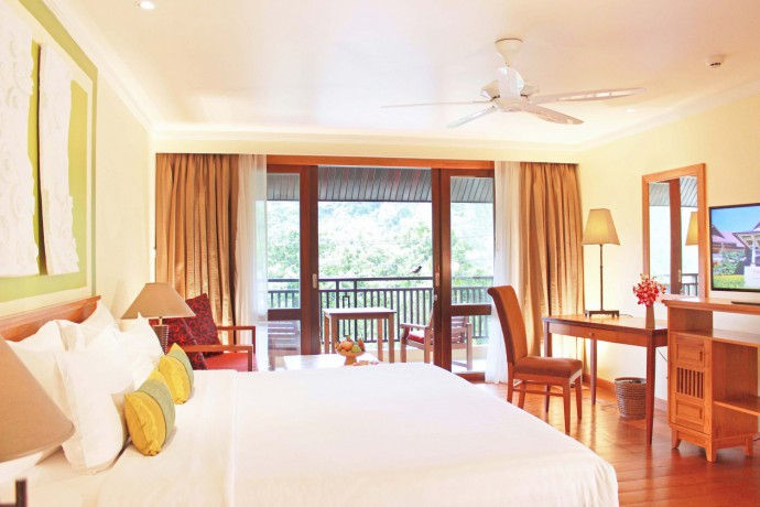 the-emerald-cove-koh-chang-deluxe-room-at-thb1999-night-incl-abf-lunch-and-dinner-big-0
