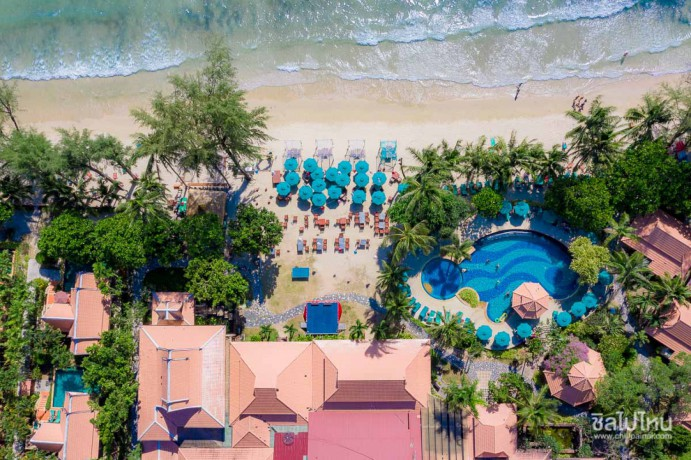 koh-chang-paradise-resort-spa-deluxe-bungalow-big-3