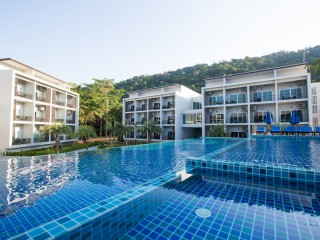 Koh Chang Paradise Hill ... ดีลห้อง Deluxe Room - Pool Side View ราคาพิเศษ !!!