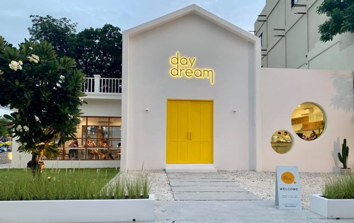 daydream-cafe-chonburi-homemade-ice-creams-and-beverages-big-0
