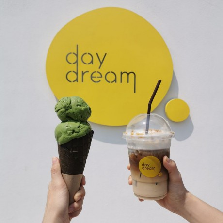daydream-cafe-chonburi-homemade-ice-creams-and-beverages-big-3