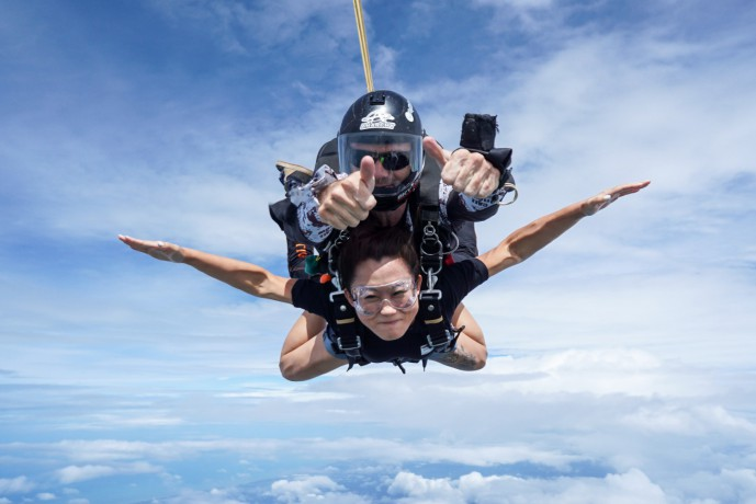 skydive-thailand-package-tandem-skydive-gold-camera-package-big-0