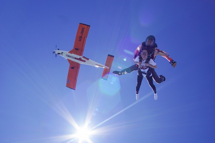 skydive-thailand-package-tandem-skydive-gold-camera-package-big-4