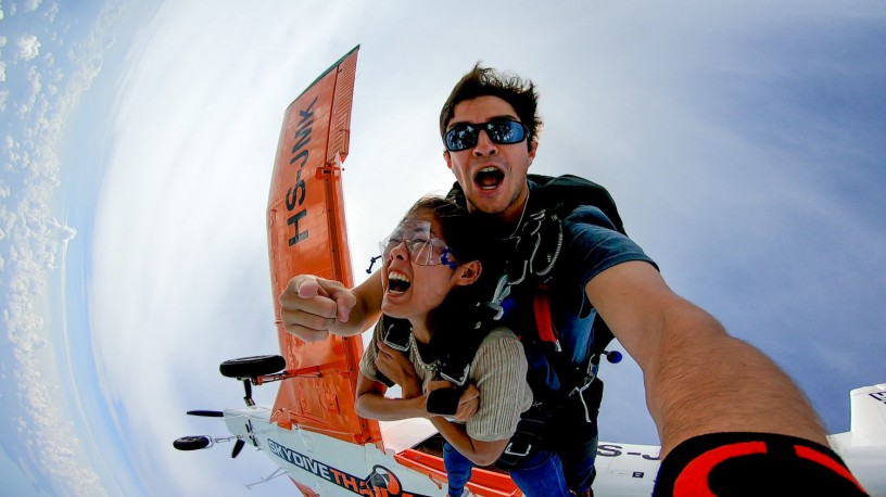 skydive-thailand-package-tandem-skydive-silver-camera-package-big-0