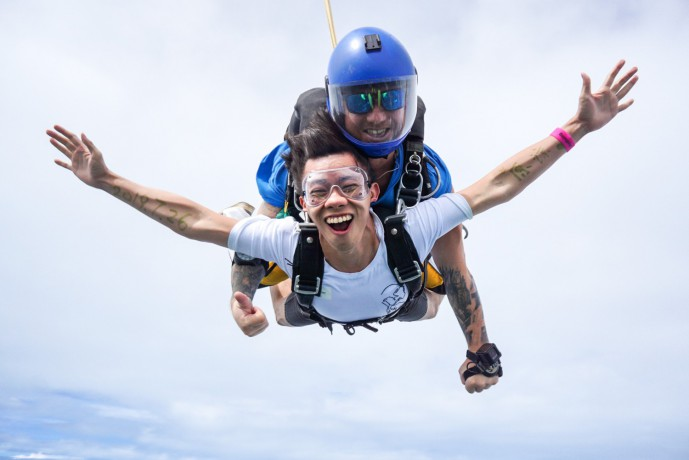 skydive-thailand-package-tandem-skydive-silver-camera-package-big-4
